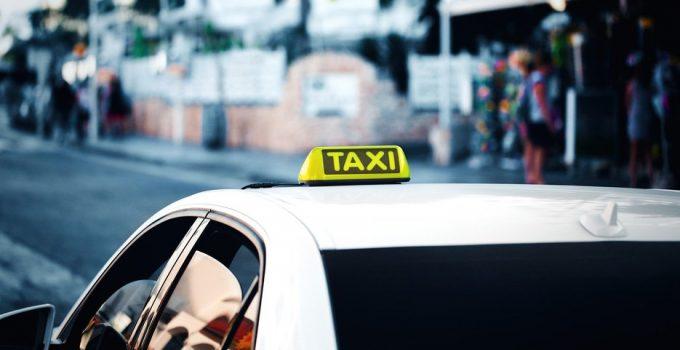 Danimarca: violazione del principio di minimizzazione dei dati, multa da 160mila euro per una società di taxi