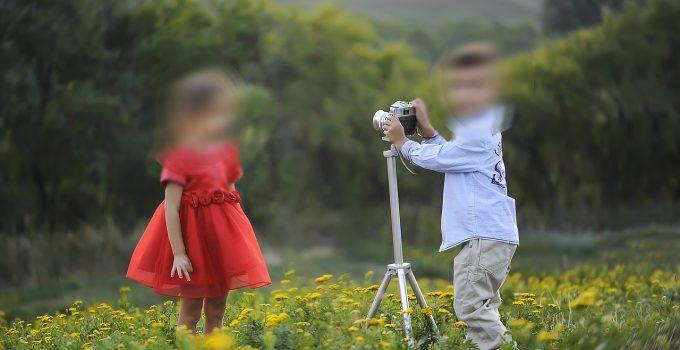 Foto sui social della figlia che sfila: non basta il consenso di un solo genitore per autorizzare la pubblicazione online