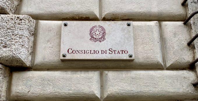 Consiglio di Stato: i consiglieri comunali non possono conoscere i nomi dei beneficiari dei buoni spesa Covid-19