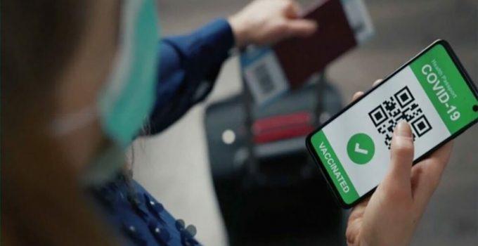 """Verso il """"green pass"""" per gli spostamenti. Il Garante: Privacy a rischio"""